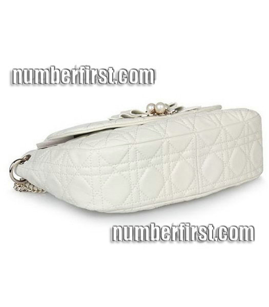 Christian Dior Chains Shoulder Bag in Offwhite Lambskin-3