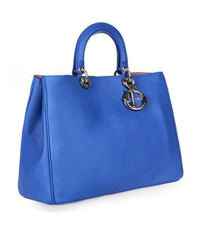 Christian Dior Large Diorissimo Bag In Blue Leather